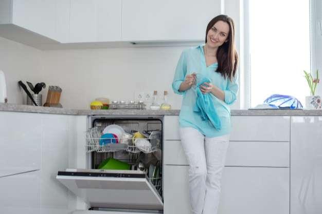 lavavajillas silenciosos barato integrado en una cocina